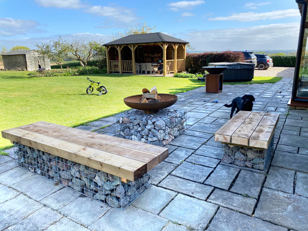 gabion-seating-and-firepit